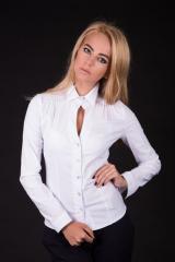 Рубашка с фигурной планкой и защипами