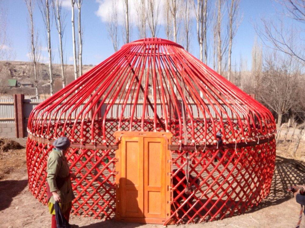 Заказать Экскурсионные Шоп- туры за Кыргызскими национальными юртами из войлока, на оз. Иссык-Куль!